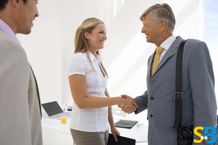 Share a healthy relation with your boss and your colleagues