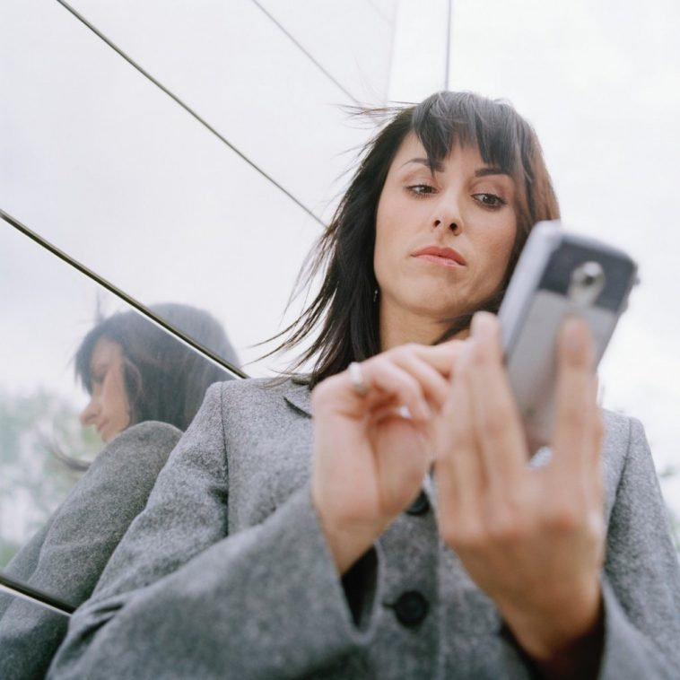 10-Reasons-Why-She-is-Not-Texting-you-Back