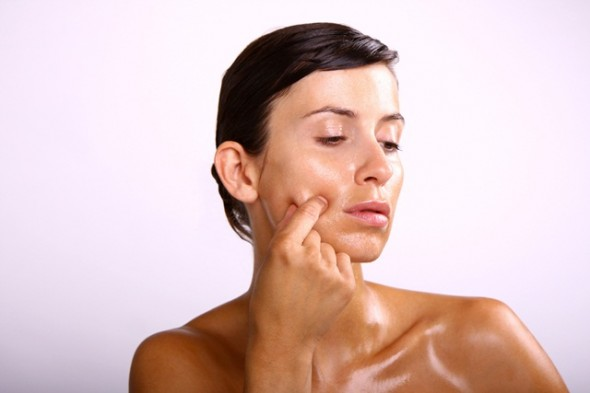 10-cures-to-get-rid-of-oily-skin