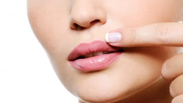 Pimples-on-the-lip-Causes-and-Treatments